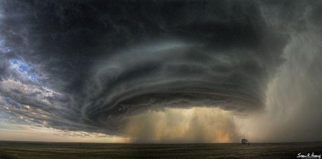 una-nube-de-tormenta-supercell-sobre-montana
