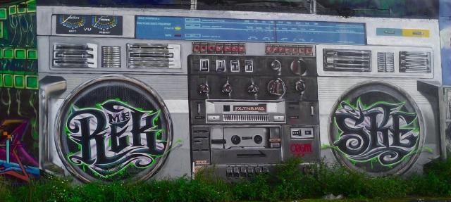 Radio-mural